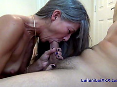milf seduces the young neighbor