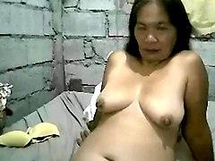 mature pinay nipples