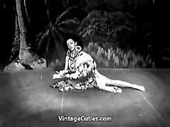 exotic burlesque dancer shakes contents of bra (vintage)