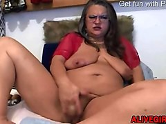 old milf with meaty pussy lips dirty talking & masturbates