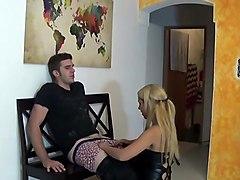hot body blonde in black latex