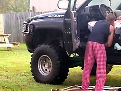 amateur redhead in 4x4 gets fuck in public