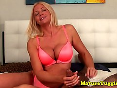 Mature giving tugjob to lucky dude in POV
