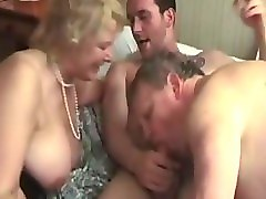 bi-sex matures threesome