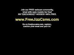 Sexy Amateur Brunette College Teen Show Ass on Webcam