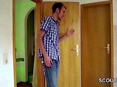 junger bubi fickt seine stief mutter nach der schule durch