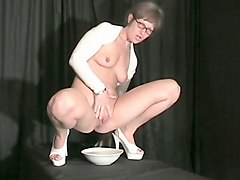 milfs, german, piss, solo milf, pissing