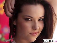 babes - wet game - elizabeth marx
