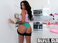 latina sex tapes - busty colombians jamie valentine plays with her food