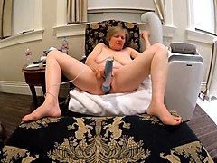 gilf gets her rocks off at victorian hotel