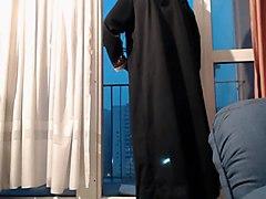 exhibe en niqab et collant noir
