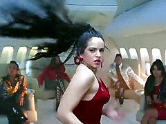 Rosalia & J Balvin ft. El Guincho - Con Altura