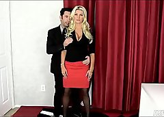 Hypnotizing my hot boss and fucking her pussy hard