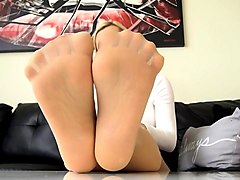 lovely nylonfeet