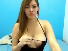 Colombiana tetona en su webcam