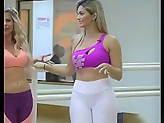 Hot fit babes in spandex pants sexy cameltoes