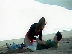 Teenage couple got horny on a beach
