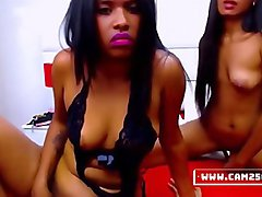 LESBIAN WEBCAM COUPLE HAVING A GREAT TIME TOGETHER