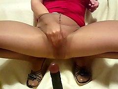 im masturbating in pantyhose