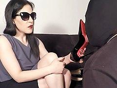 slapping heels
