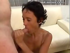 REAL HOMEMADE TEEN COUPLE HAS PASSIONATE SEX