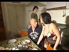 italiana madura anal en la cocina