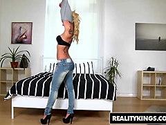 realitykings - mikes apartment - aisha renato - dirty aisha