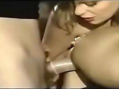 Nianne Hermaphrodite Mit Zwei Frauen