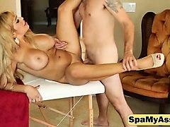 busty milf alyssa lynn gives an magnificent blowjob