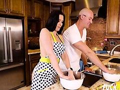 rachel starr baking cookie with bae