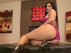 Sunny Leone In Exotic Lingerie