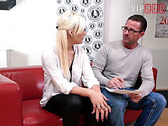 VIP SEX VAULT - This Blondie Enjoys Anal Sex In Hot Audition