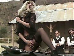 magnificent and hot blonde vintage girl blows dick of a her partner