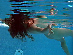Irina Russaka shows sexy body underwater