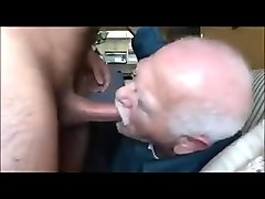 old grandpa's rhythm sucks the other man's dick