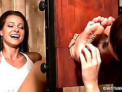 Melissa Mendini`s feet tickle