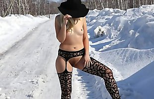 Cold winter photo session, naked hairy pussy and big ass on the background of snow in Siberia. Behind the scenes. Answer the challenge.