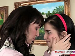 stepteen assfingers milf during doggystyle