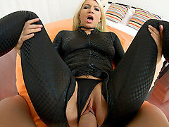 porngoespro - layla price gets her ass fucked by a big dick